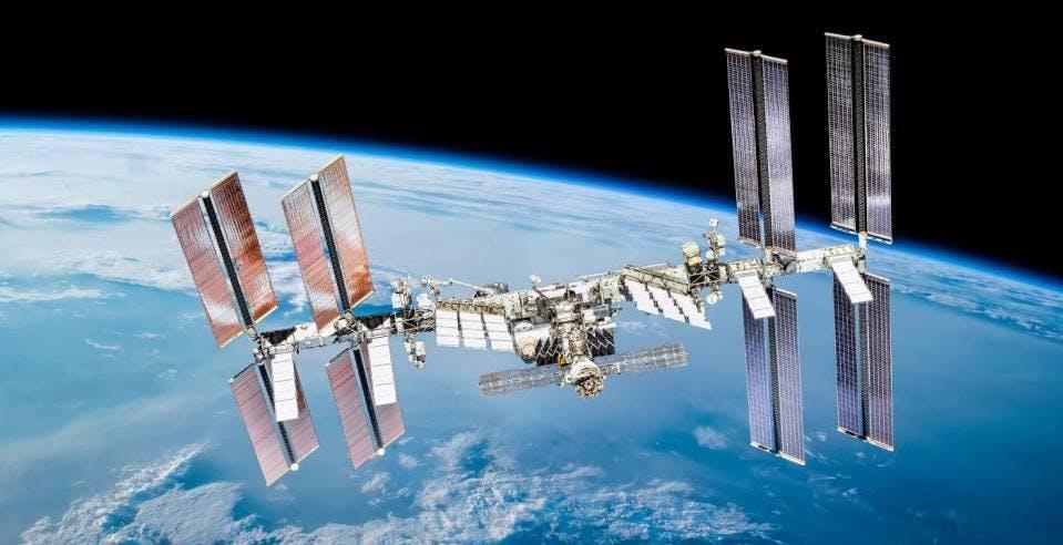 Turismo spaziale, la NASA venderà un pacchetto di due settimane a bordo della ISS. Si parte da 10 milioni di dollari