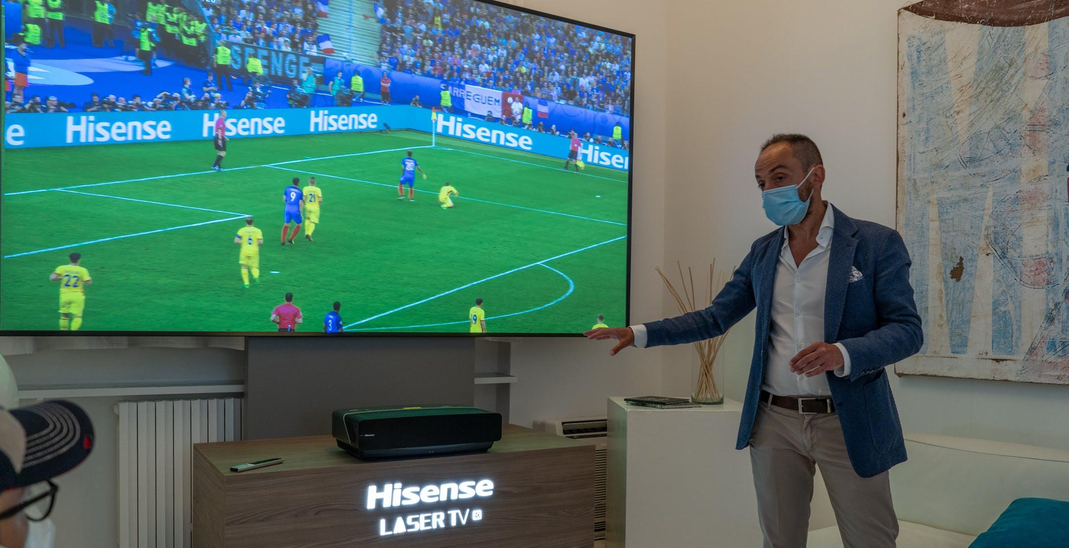 """Hisense spinge sul Laser TV: ecco il modello da 120"""" a 4500 euro (con il cashback Europei)"""