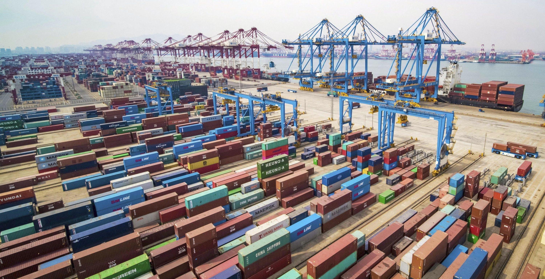 """Milioni di prodotti cinesi lowcost bloccati in Cina: i prezzi delle spedizioni sono alle stelle. Preziosi: """"Ci stanno ricattando"""""""