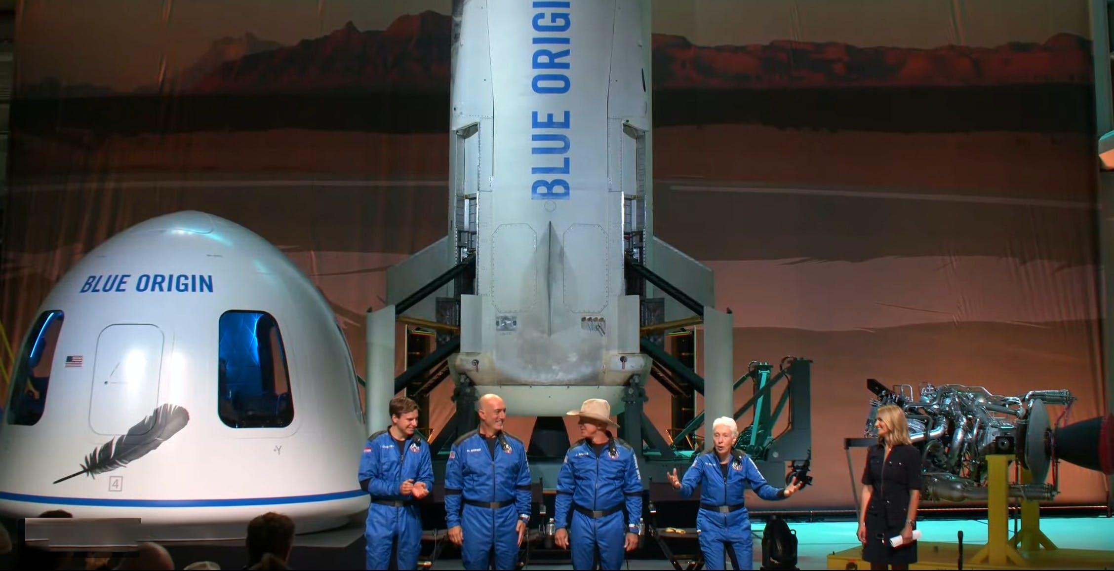 Jeff Bezos è andato nello spazio. Ed è tornato dopo 10 minuti. Via ai viaggi turistici spaziali