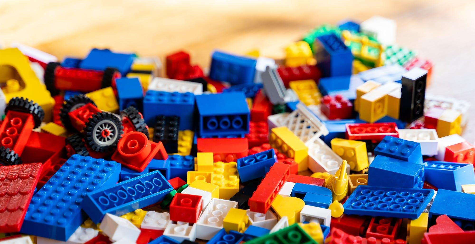 L'Intelligenza Artificiale riconosce i mattoncini Lego da una foto e ti dice cosa costruire. È un'app gratuita per iOS