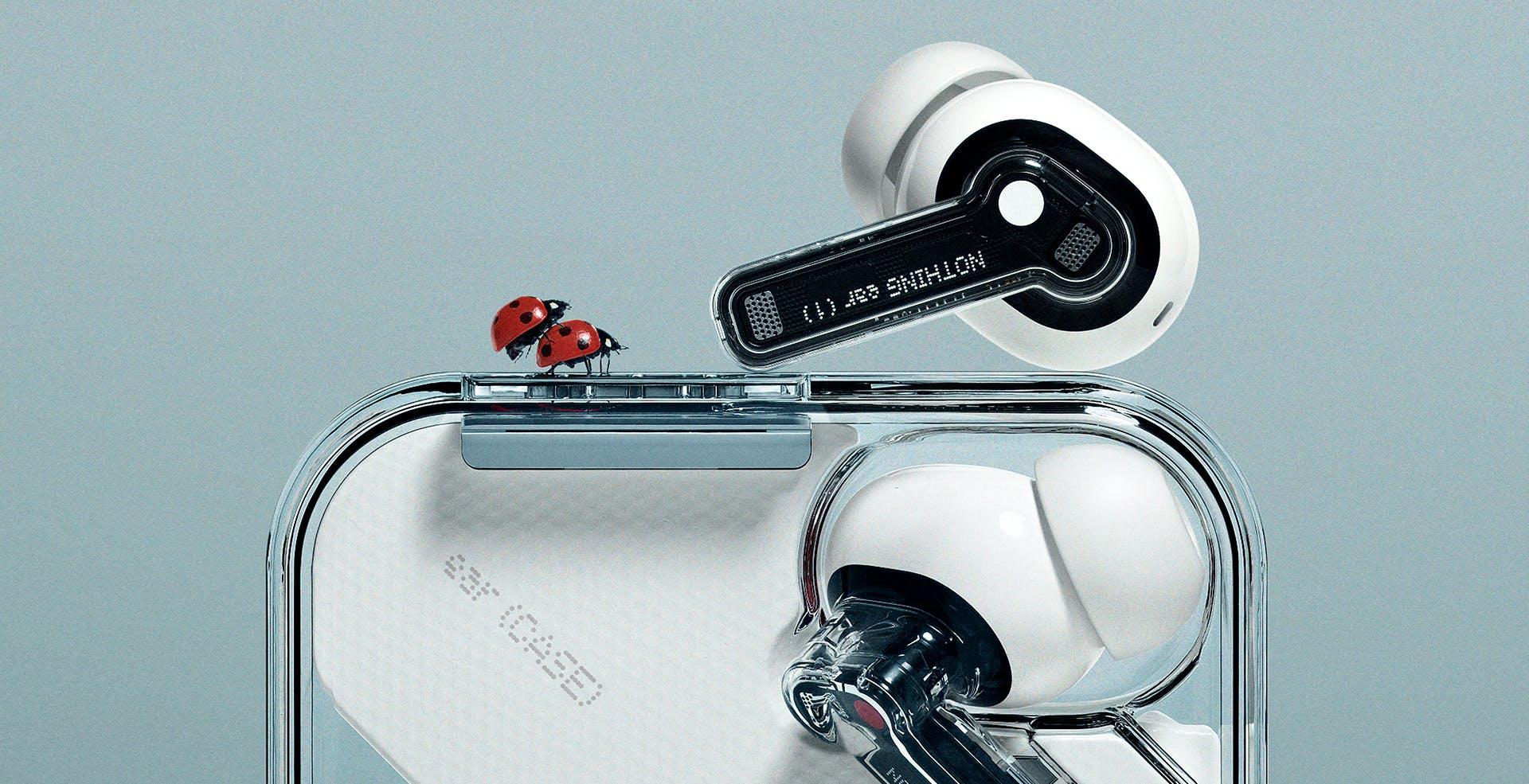 """Nothing ear (1), gli auricolari """"nudi"""": design e cancellazione attiva del rumore a 99 euro"""