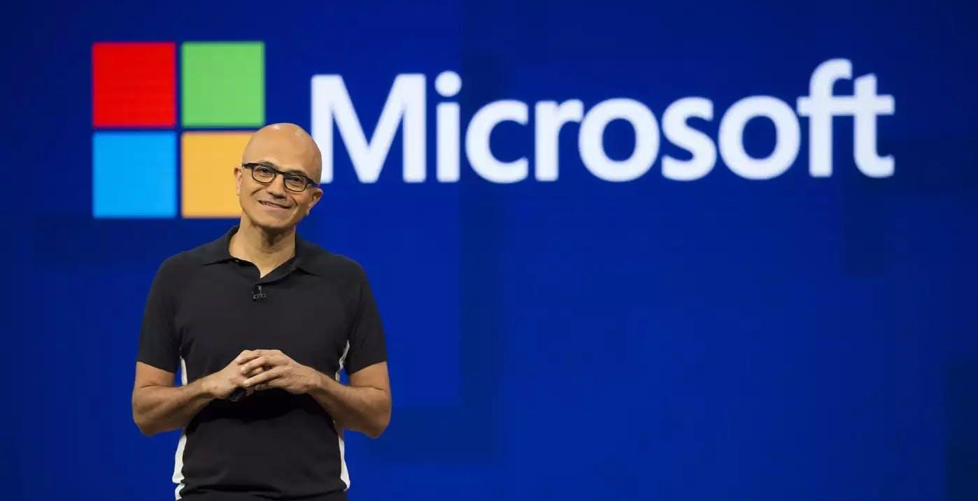 Quarto trimestre in forte crescita per Microsoft. Pesa però la carenza di semiconduttori