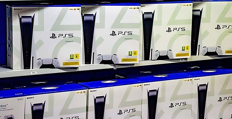 C'è una nuova PS5 in Australia. Pesa 300 grammi in meno