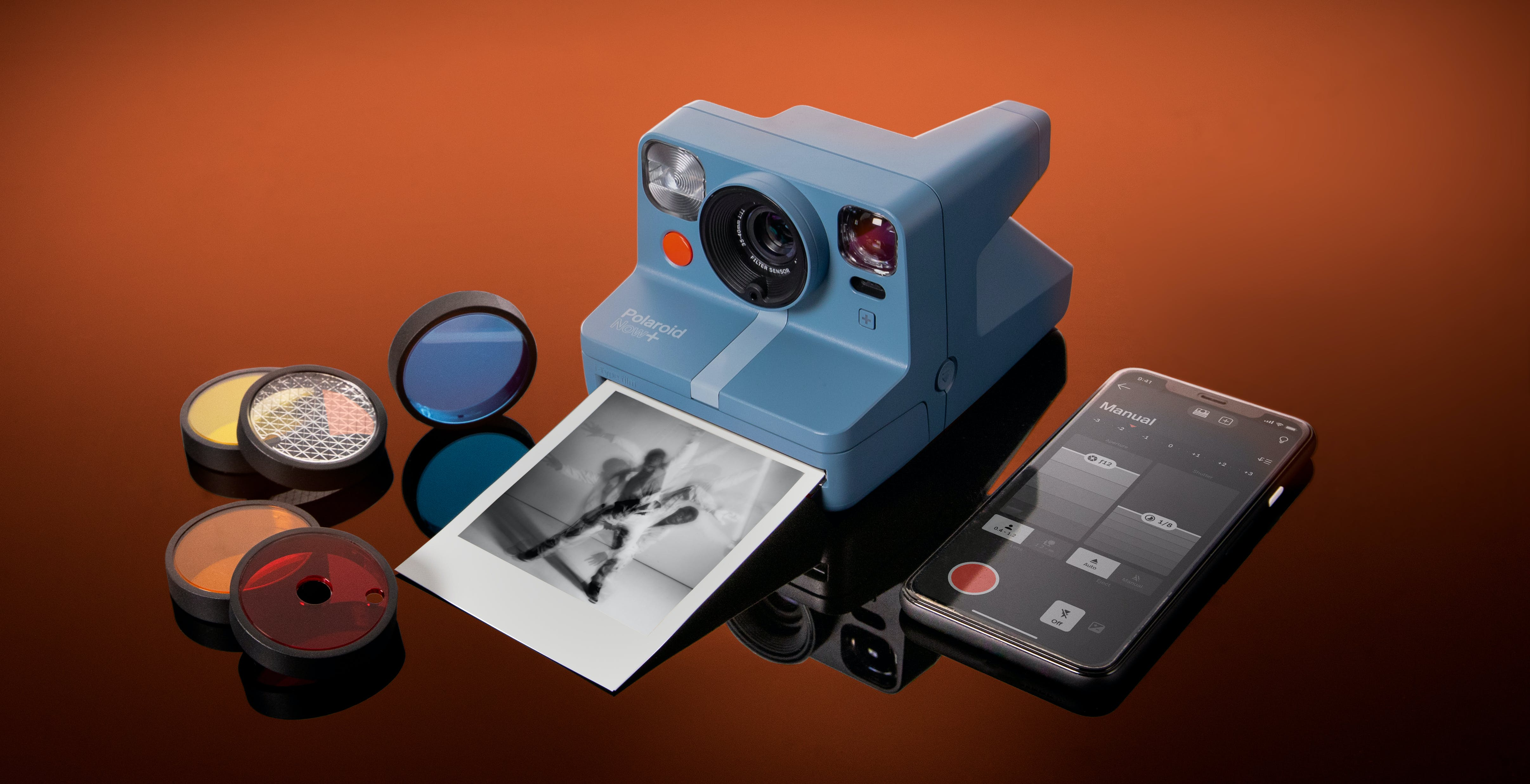 Ufficiale Polaroid Now+, la macchina fotografica istantanea con Bluetooth e filtri colore per effetti creativi