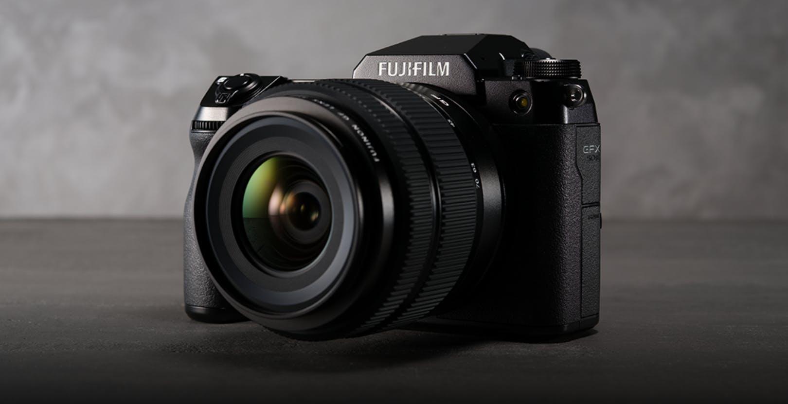 Fujifilm mostra la sua strada: medio formato GFX50S II con IBIS e macchine APS-C serie X avanti tutta