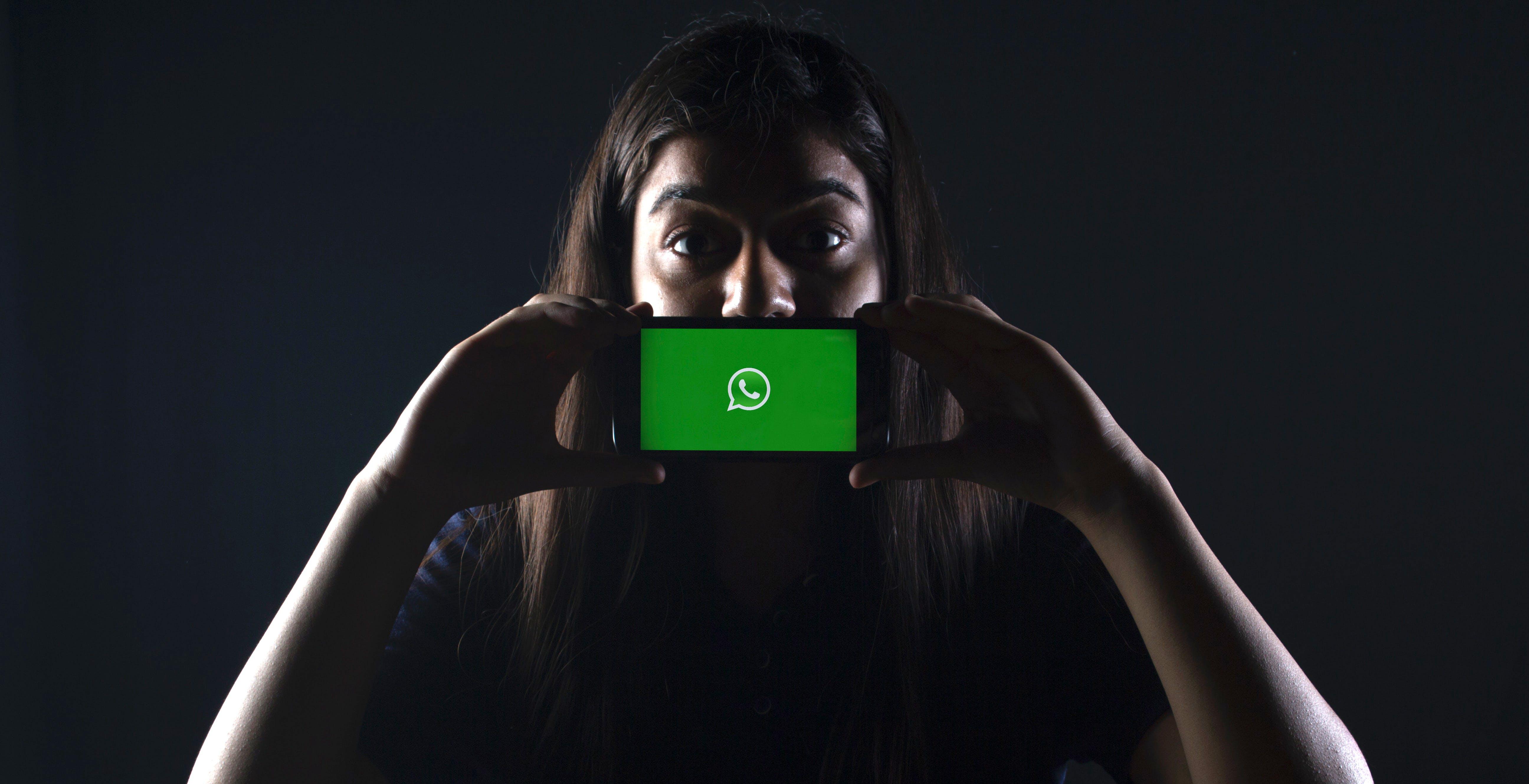 """Maxi multa a WhatsApp di 225 milioni di euro. L'Europa: """"L'ammenda deve essere proporzionata al fatturato"""""""