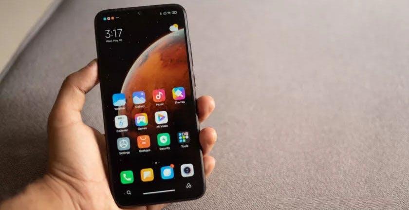 """Bloccare il sideload delle app, Xiaomi sta testando la """"Pure Mode"""" perché il 40% delle app caricate non è sicuro"""