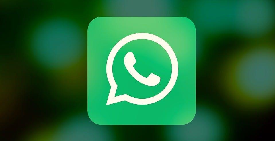 Nascondere l'ultimo accesso su WhatsApp solo ad alcuni contatti: la funzione arriverà su Android e iOS