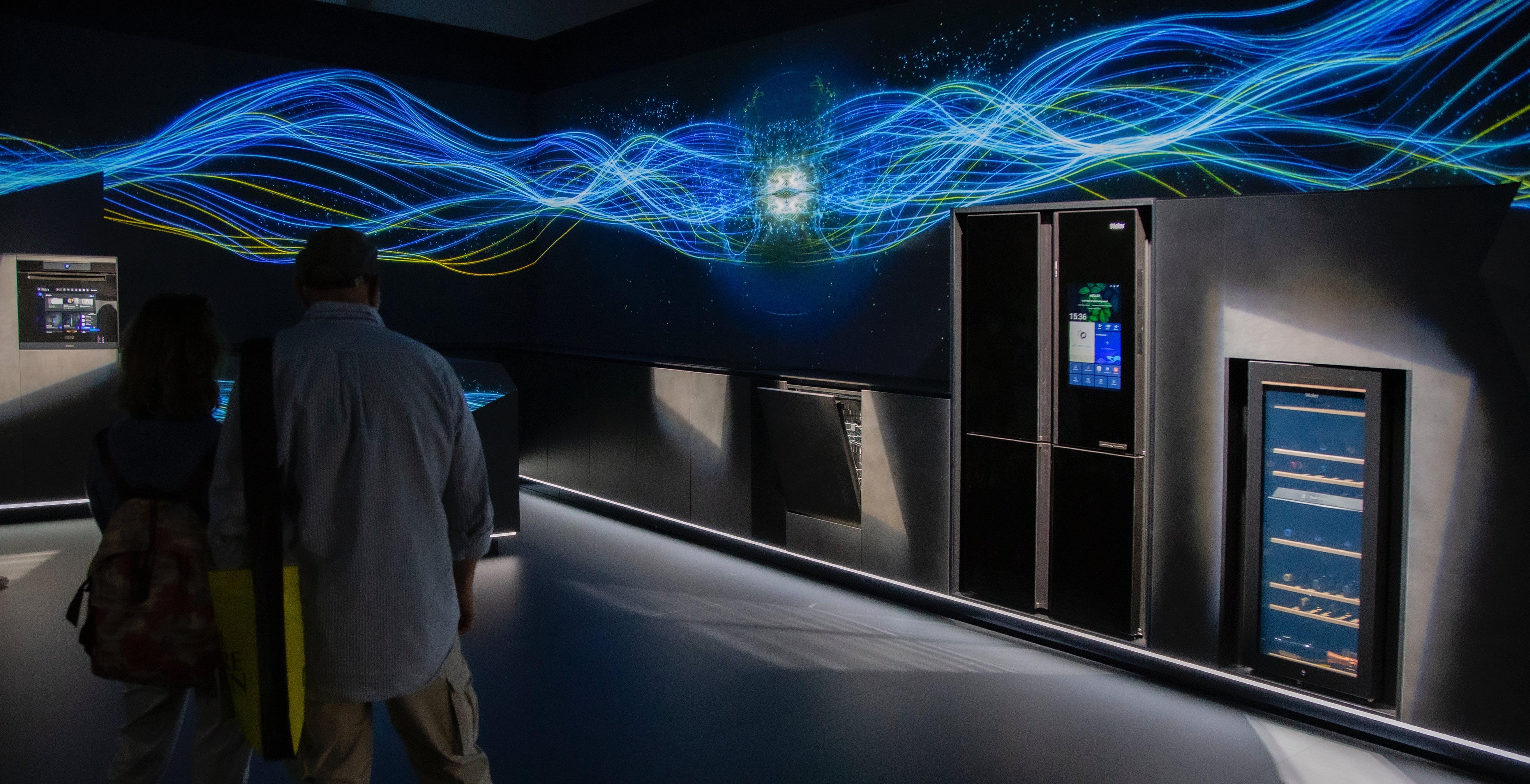 L'Intelligenza Artificiale anche in cucina: Haier porta alla Milano Design Week i suoi elettrodomestici smart