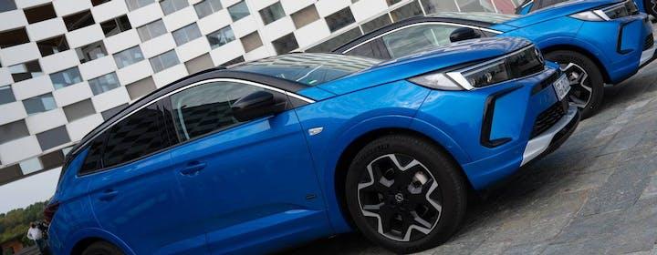 Tanta sostanza, pochi fronzoli: le prime impressioni di guida del SUV Opel Grandland plug-in