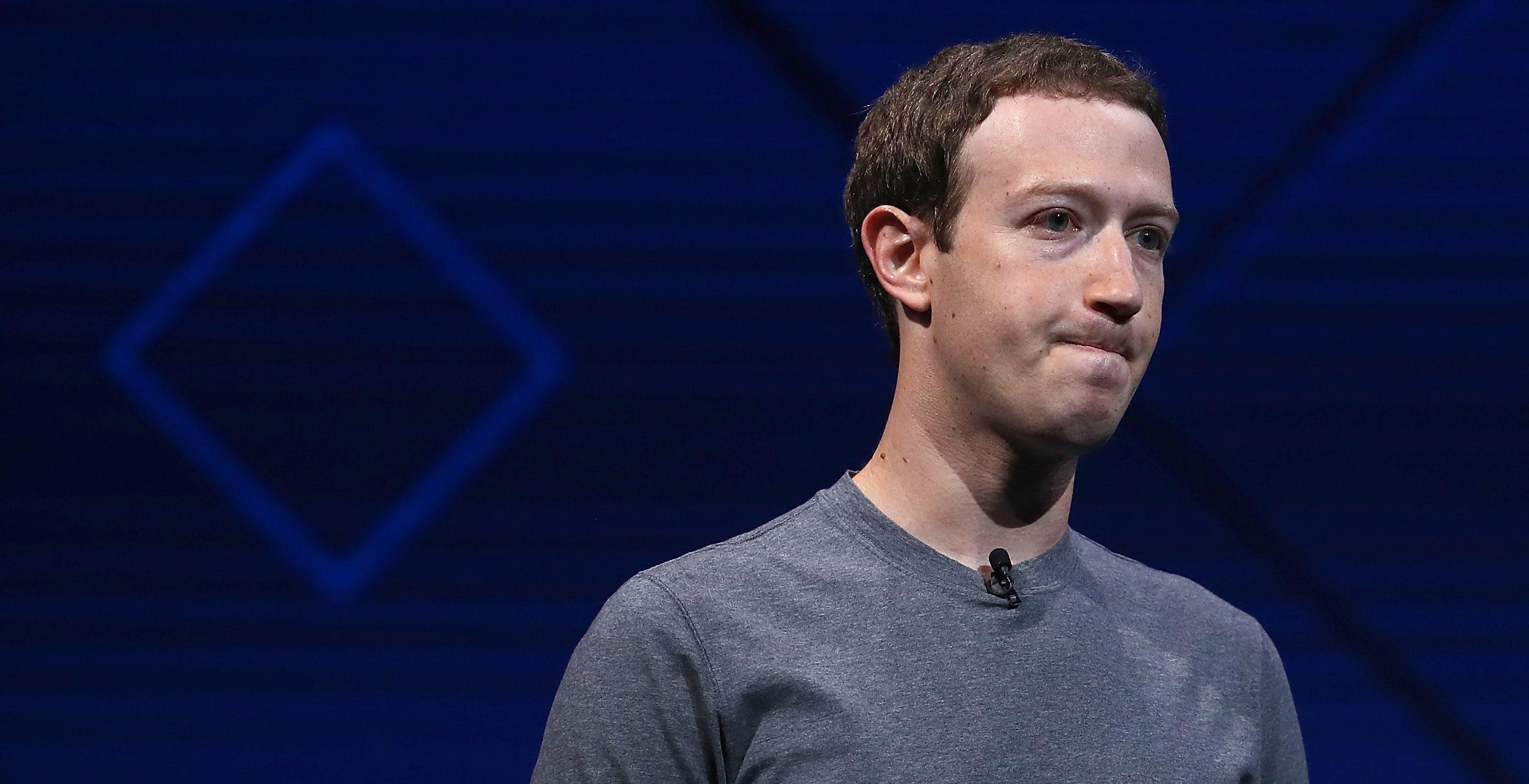Facebook sotto accusa: 5.8 milioni di utenti privilegiati possono fare quello che vogliono