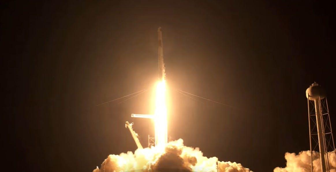 Per la prima volta dei civili sono stati mandati in orbita: ci resteranno tre giorni. Inizia il turismo spaziale firmato SpaceX
