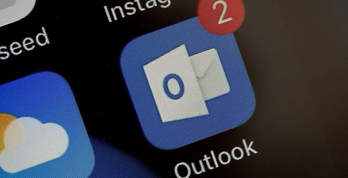Scoperta falla di Outlook: migliaia di email e password diffuse in chiaro configurando l'app della posta