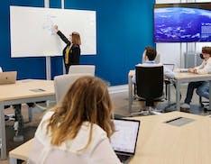 Apple estende l'impegno nella Developer Academy: a Napoli per altri quattro anni