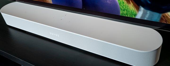 La seconda generazione di Sonos Beam in prova: da sola suona, ma in compagnia delle One è una bomba