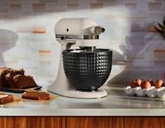 Il nuovo robot da cucina e la ciotola per il pane KitchenAid, gli amanti della cucina sono serviti