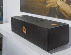 Il primo diffusore AKG è firmato (uno a uno) da Quincy Jones