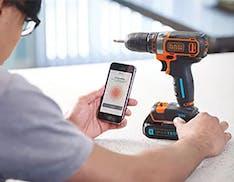La smart battery Black & Decker ti ricarica anche il telefono