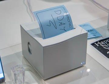 Nemonic è la stampante di memo adesivi bluetooth. Perfetta per gli smemorati (e per divertirsi)