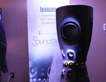 Primo contatto con i diffusori omnidirezionali Lexicon con noise canceling