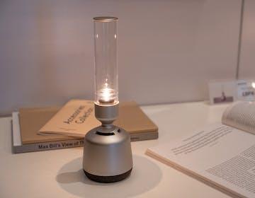 """Suono """"cristallino"""" a lume di candela per il nuovo speaker-lampada di Sony"""
