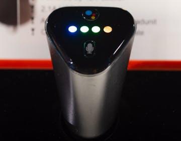 JBL Link Drive, lo colleghi all'accendisigari e hai Google Assistant in auto