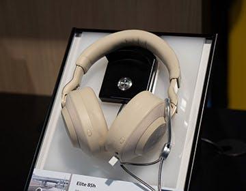 Jabra Elite 85h, le cuffie che cancellano i rumori in base all'ambiente esterno