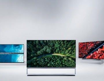 """Il TV OLED si fa """"piccolo"""": LG porta al CES 2020 un 48"""". C'è anche l'OLED arrotolabile che scende dal soffitto"""