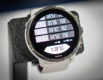 Stop al dilemma degli sportivi: Suunto 7, smart-sport watch sempre al polso