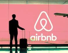 Airbnb colpita duramente dalla pandemia. Licenziati 1.900 dipendenti e ricavi crollati