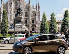 Milano punta tutto sulla mobilità elettrica: incentivi auto fino a 15.600 euro, 3.000 euro scooter, 1.500 euro per eBike