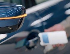 Novità Apple anche in automotive: migliora CarPlay, iPhone come chiave, punti di ricarica in Maps