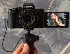 Lumix G100, anteprima. La mirrorless in miniatura nata per Instagram e Youtube