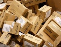 Amazon ha creato la task force anti contraffazione. Investigatori ed ex poliziotti a caccia dei prodotti falsi sullo store