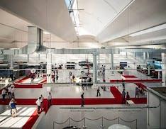 Tesla più presente in Italia: nuovi store a Roma e Bologna