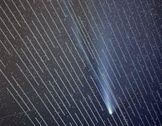 I satelliti Starlink di Musk hanno impedito l'astrofotografia della cometa NEOWISE