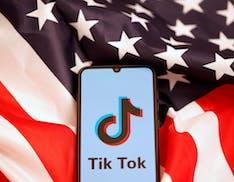 Microsoft vicina all'acquisizione di TikTok per sventare il ban di Trump e mettere le mani sul social del momento