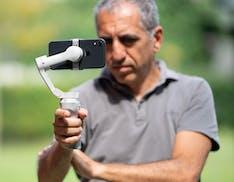 Anteprima DJI OM 4. Osmo Mobile cambia nome, l'aggancio diventa magnetico e il prezzo cresce: 149 euro