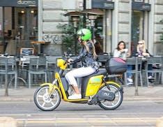 A Ride With Pornhub, il famoso sito offre 15 minuti con gli scooter elettrici di MiMoto