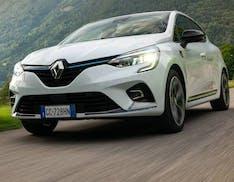 """Altro che """"mild"""": la Renault Clio E-TECH Hybrid è una vera ibrida. Il nostro test drive"""