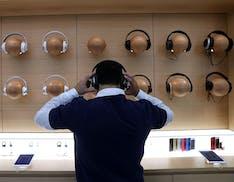 Apple toglie i prodotti Sonos e Bose da negozi e sito. Arrivano le AirPods Studio?