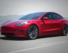 Tesla Model 3 restyle, da oggi si ordina anche in Italia. Migliora in tutto, allo stesso prezzo