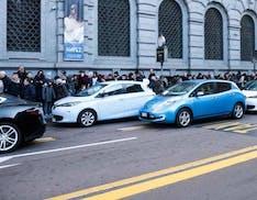 Milano cambia aria, dal 2030 accesso al centro solo con auto elettriche