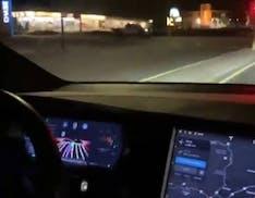 Arrivano le prime immagini delle Tesla che guidano da sole. La guida autonoma è realtà?
