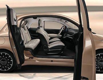Fiat svela la 500 elettrica 3+1: una porta in più che si apre controvento, a partire da 21.400 euro