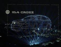 Volkswagen ID.4, l'incredibile spettacolo per il lancio: ologrammi in cielo con 2.000 droni