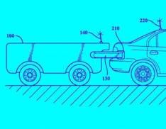 Toyota ha un'idea geniale per le auto elettriche: un drone ti insegue e ti ricarica al volo