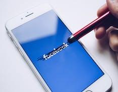 """""""Facebook è un monopolio, deve vendere WhatsApp e Instagram"""". La denuncia negli Stati Uniti"""