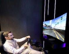 Tornano i TV curvi: LG ha fatto un OLED da gaming che si flette solo quando si gioca